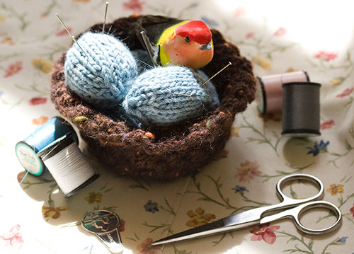 pincushion-sewing-4