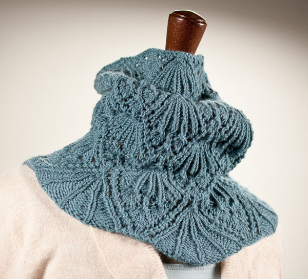Eleanor Cowl, Knitty, Stitches West, Baby Cashmerino, knitting, cowl, lace