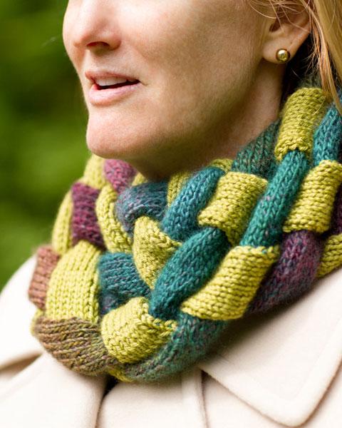 Gwen Bortner, Knitting Entrelac, entrelac, infinity neck warmer