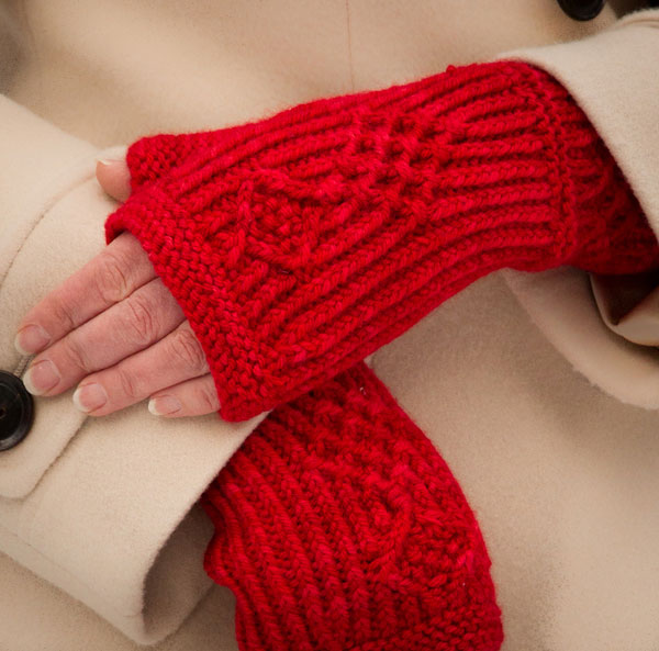 fingerless mitts, Brooklyn Tweed, twisted stitches