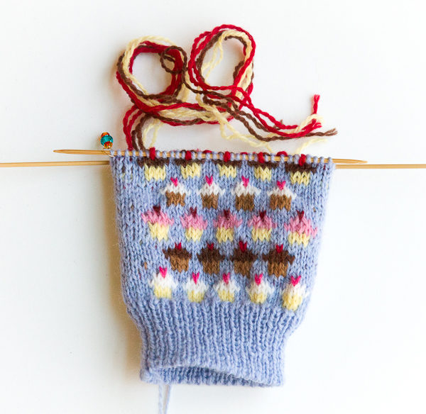 cupcake mittens ends